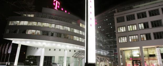 Term Evolution) technisch startklar. Heute Mittag übergaben Staatssekretärin Tina Fischer, Bevollmächtigte des Landes Brandenburg beim Bund, und René Obermann, Vorstandsvorsitzender der Deutschen Telekom, die erste 4G-Basisstation ihrer Bestimmung. Die neue […]