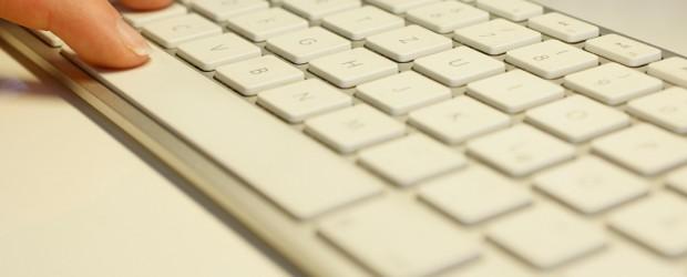 Die Deutschen gehen recht freizügig mit ihren Passwörtern um. 37 Prozent geben private Passwörter für ihren PC, Internet-Seiten und Co. an andere weiter. Auch am Arbeitsplatz vertraut jeder Dritte berufliche […]