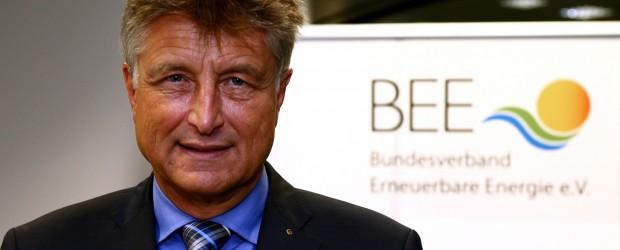 Der Bundesverband Erneuerbare Energie (BEE) startet ein ganz neues Kongressformat: Am 14. Januar 2015 um 10 Uhr kommen in Berlin hochrangige Unternehmer und Manager aus der Erneuerbaren-Branche zum BEE-Unternehmertag zusammen. […]